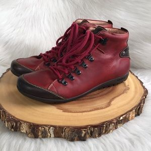 Pikolinos lace up leather boots LIKE NEW